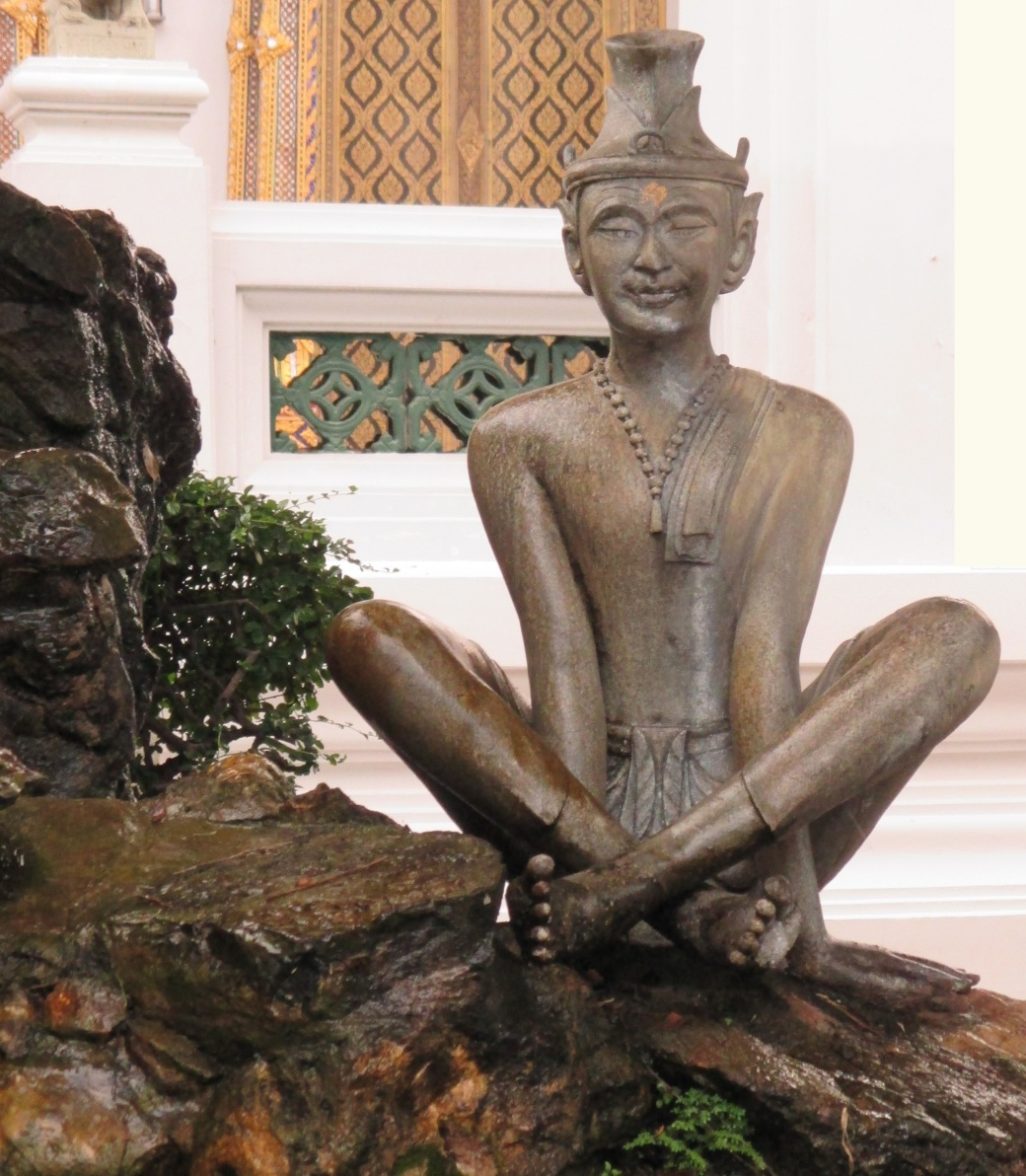 meditating statue Thailand